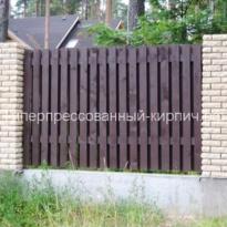 забор из колотого кирпича фото