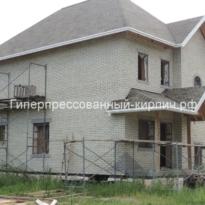 дом из белого гиперпрессованного кирпича