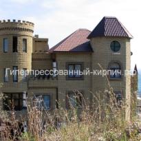 замок из облицовочного кирпича2